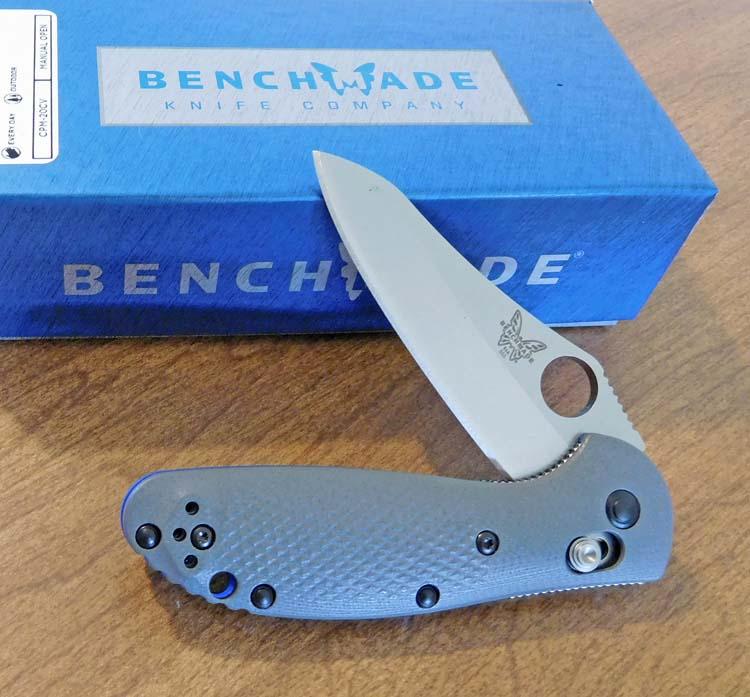 Bm 555 1 Gray G 10 Handle Mini Griptilian With 2 7 8 Plain Edge Cpm 20cv Hollow Ground Sheepsfoot Blade 3 Closed Axis Lock Design